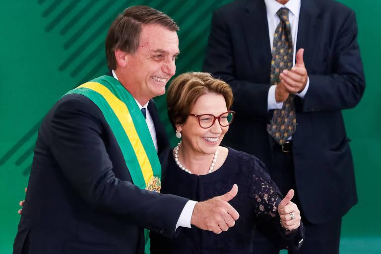 O presidente Jair Bolsonaro e a ministra da Agricultura, Tereza Cristina