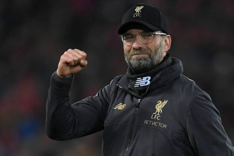 Jurgen Klopp comemora vitória do Liverpool sobre o Arsenal, na última rodada do Campeonato Inglês