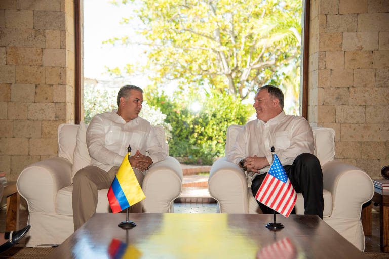 O secretário de Estados dos EUA, Mike Pompeo (dir.), durante o encontro com o presidente colombiano Iván Duque em Cartagena