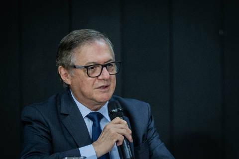 Bancada evangélica boicota Vélez, visto como 'maçã bichada'