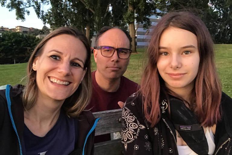 Jessica, Aaron e Alice hoje vivem juntos em Seattle