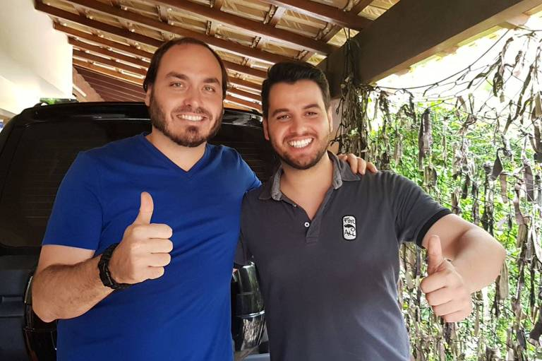 Image result for filipe martins e olavo