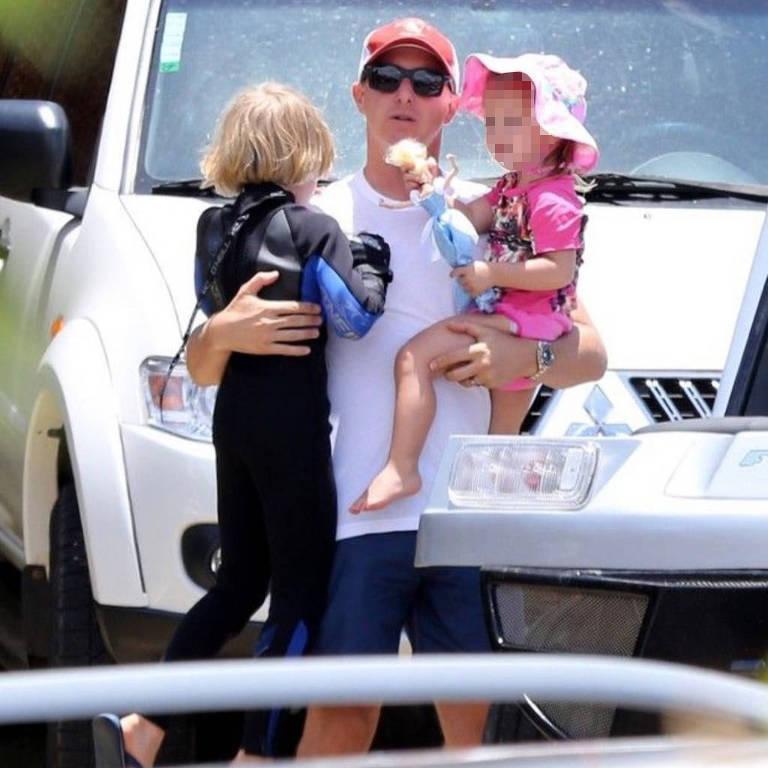 Luciano Huck com os filhos