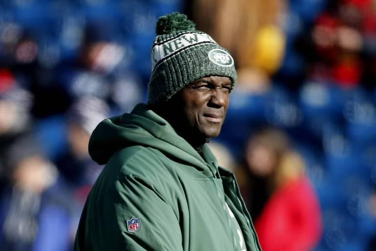 Todd Bowles, ex-técnico do New York Jets, durante a última partida da temporada 2018