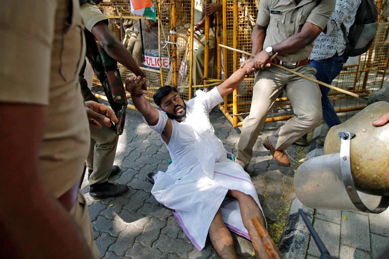 Protestos por templo na Índia