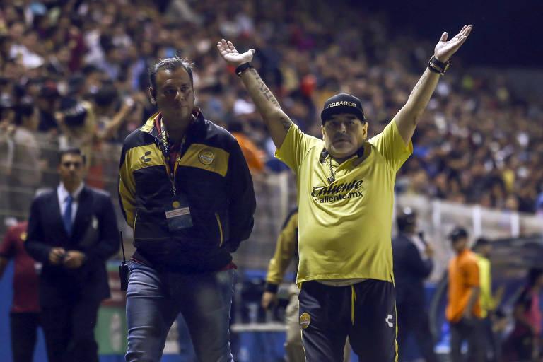 Diego Maradona comanda o Dorados na primeira partida da final do Apertura da segunda divisão do México, contra o San Luis