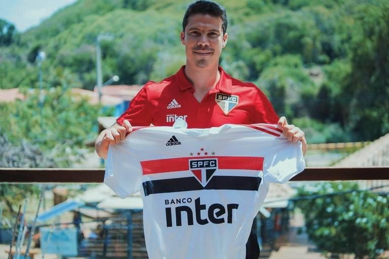 São Paulo anuncia a contratação de Hernanes