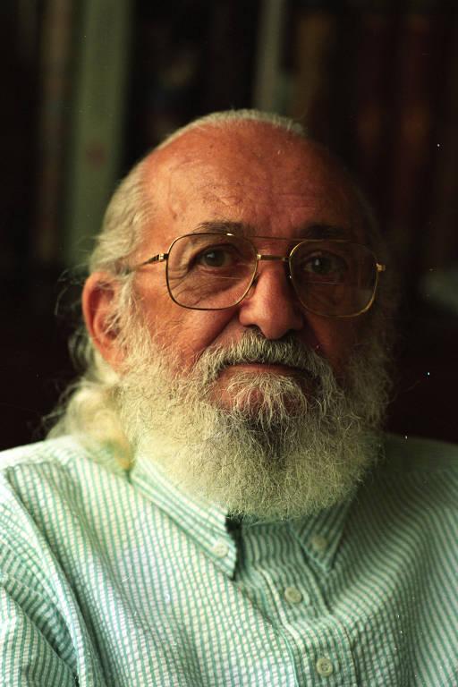 O educador Paulo Freire, durante entrevista em sua casa, na cidade de São Paulo (SP), em 1994