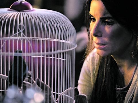 """Sandra Bullock em cena de 'Bird Box',  que está desde sexta (21) na Netflix""""'Merrick Morton/Folhapress"""