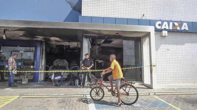 b56c04bed3 Ceará vai transferir chefes de facções criminosas para presídios federais -  06/01/2019 - Cotidiano - Folha