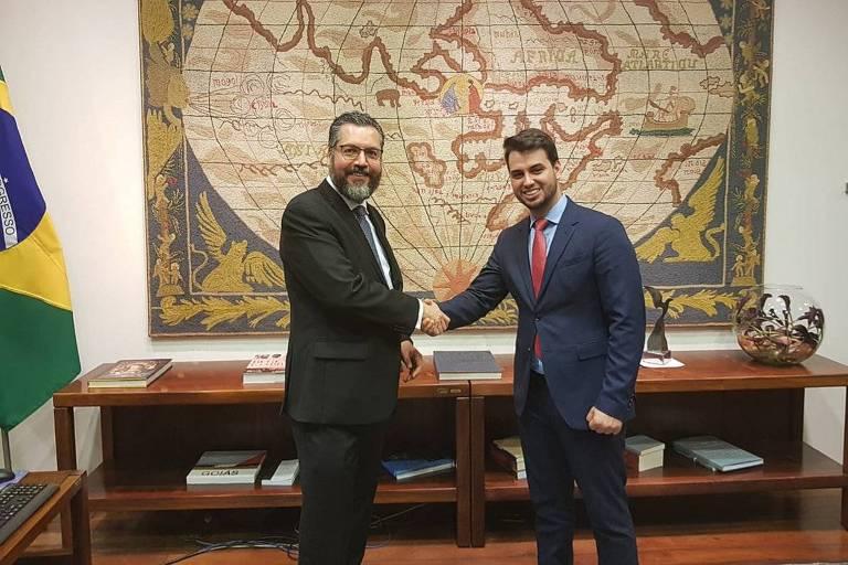 O chanceler Ernesto Araújo com o assessor internacional da Presidência, Filipe Martins