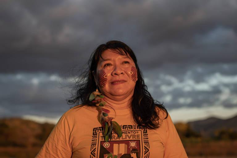 Joenia Wapichana, primeira mulher indígena eleita deputada federal na história do Brasil, em visita à Terra Indígena Raposa Serra do Sol (RR)