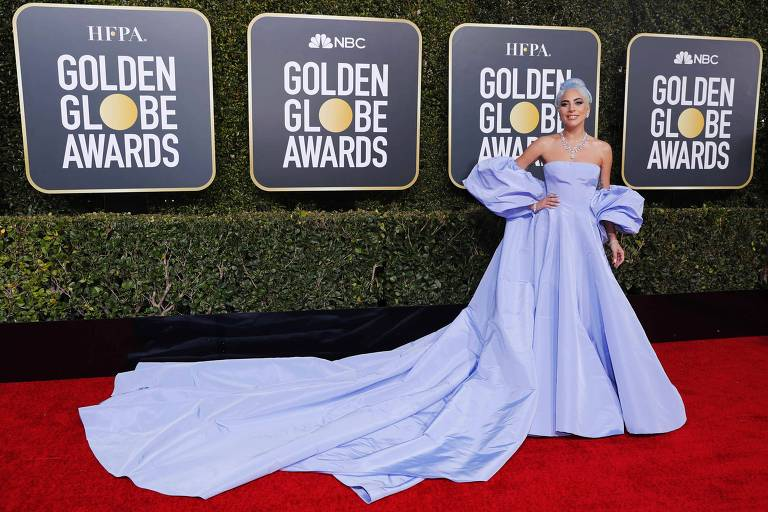 Lady Gaga usa vestido  Valentino no Globo de Ouro