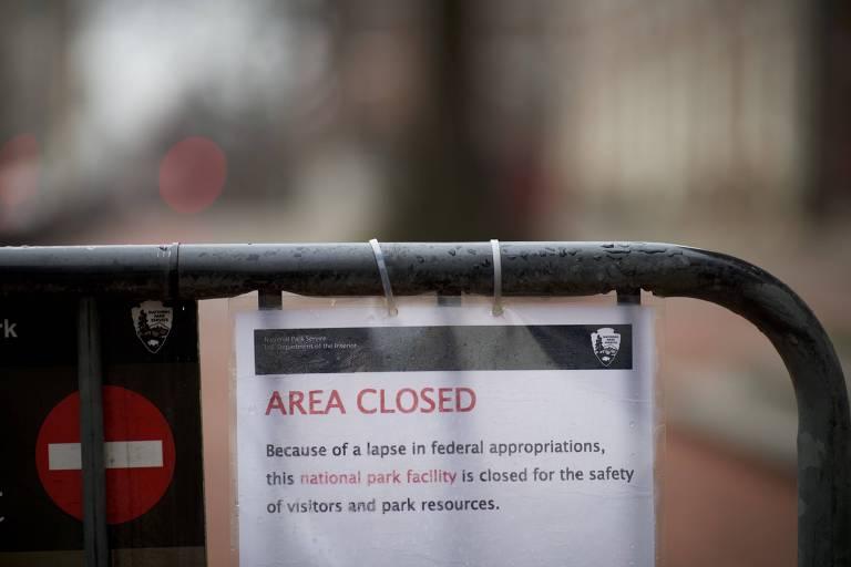 Comunicado avisa que área federal em Filadélfia está fechada devido à paralisação do governo americano