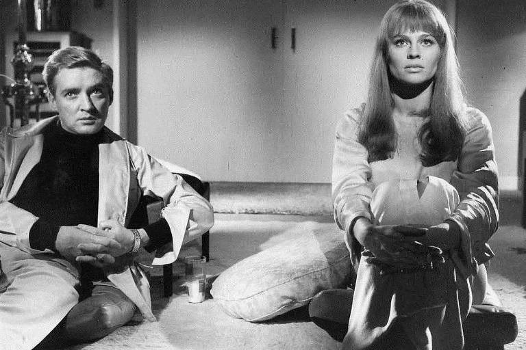 Oskar Werner e Julie Christie em cena de 'Fahrenheit 451' (1966)