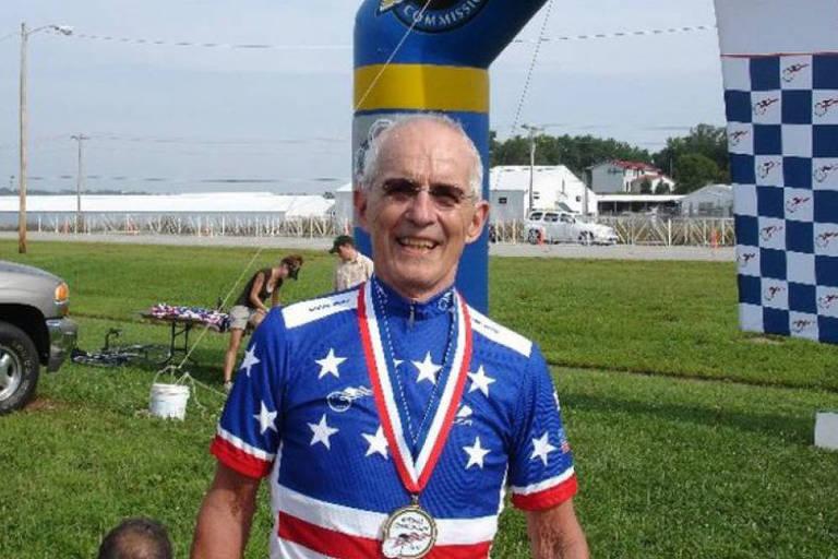 O ciclista Carl Grove teve seu título de sprint de 90-94 retirado depois de testar positivo