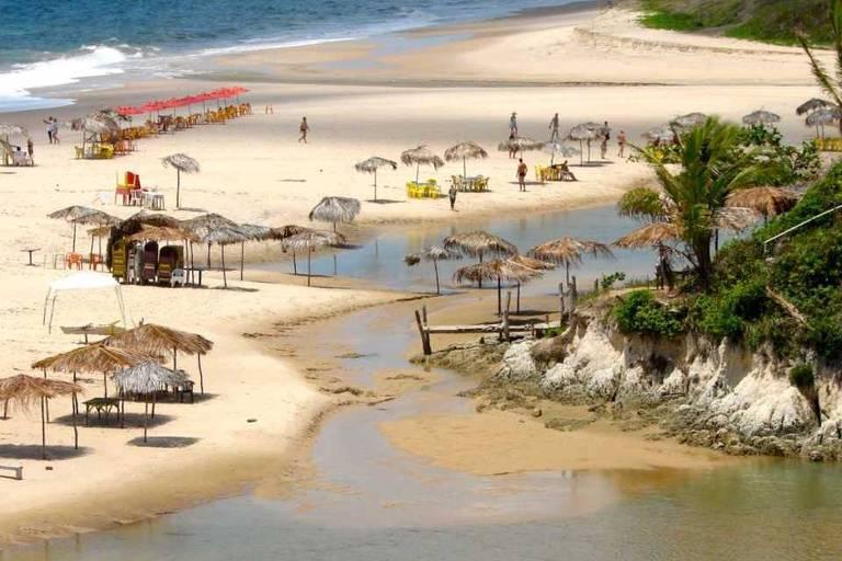 Rio Mucatu, na praia Bela, Paraíba