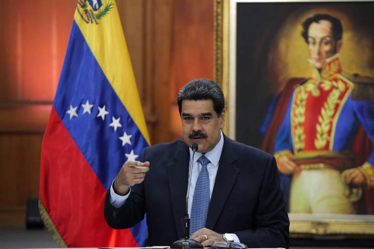 O ditador venezuelano Nicolás Maduro durante a entrevista coletiva em Caracas nesta quarta (9)