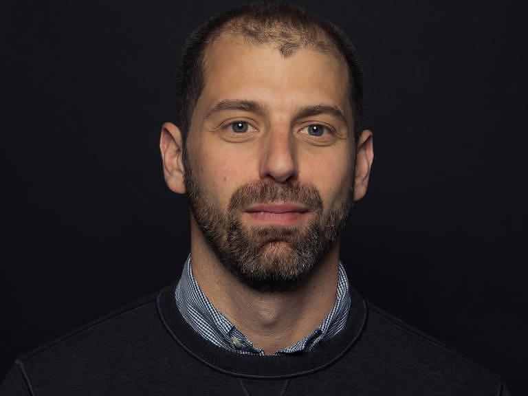 O jornalista Ken Bensinger, autor de livro sobre escândalo de corrupção na Fifa