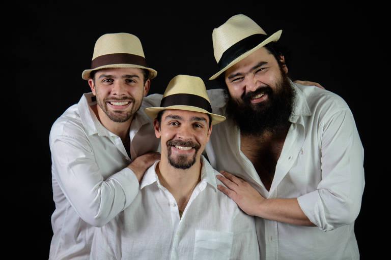 Trio Gato com Fome, da esquerda para a direita, Gregory Andreas, Cadu Ribeiro e Renato Enoki