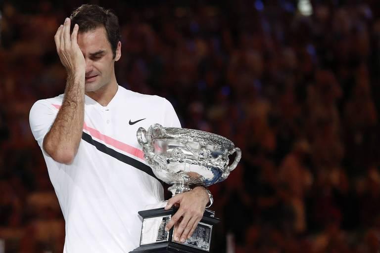 Federer se emociona ao conquistar o título do Australian Open em 2018