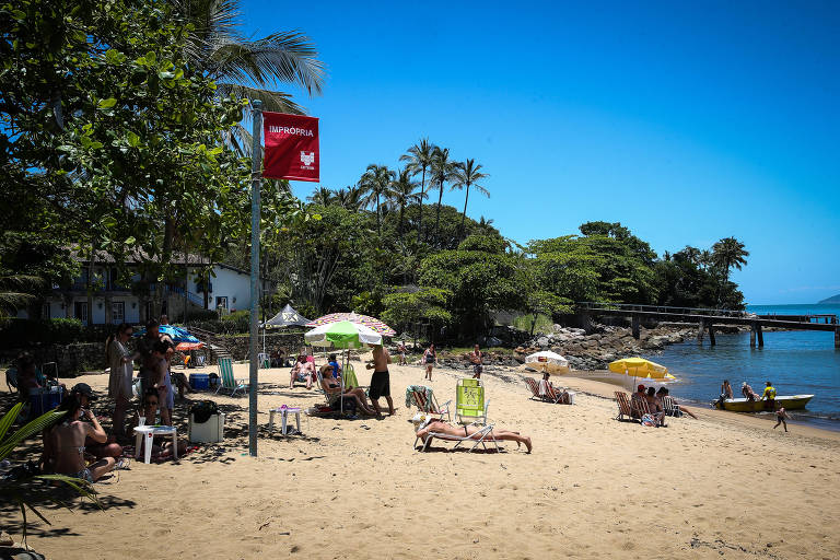 Praias poluídas em Ilhabela