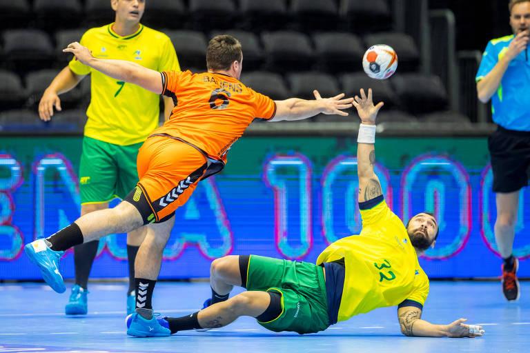 Lance de amistoso da seleção brasileira contra a Holanda antes do Mundial