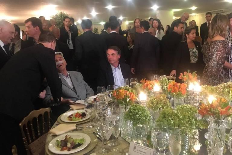Bolsonaro participa de jantar de despedida do comandante do Exército, general Villas Bôas, em Brasília