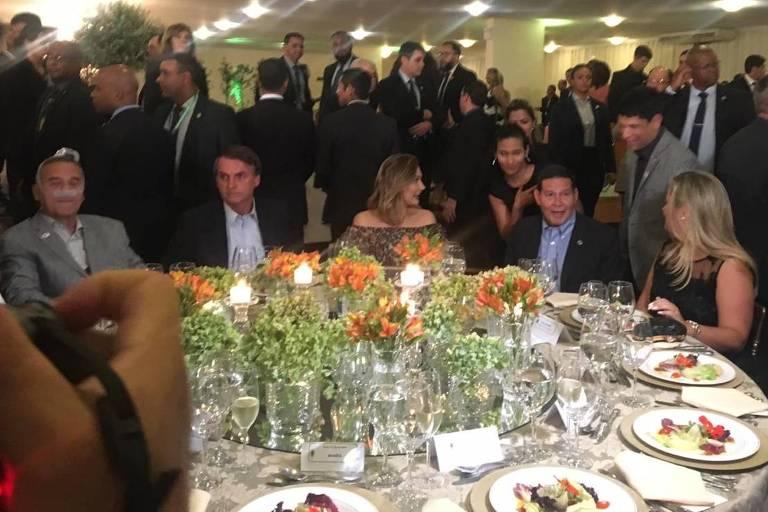 Jantar de despedida do comandante do Exército, general Villas Boas; Bolsonaro participa da homenagem,