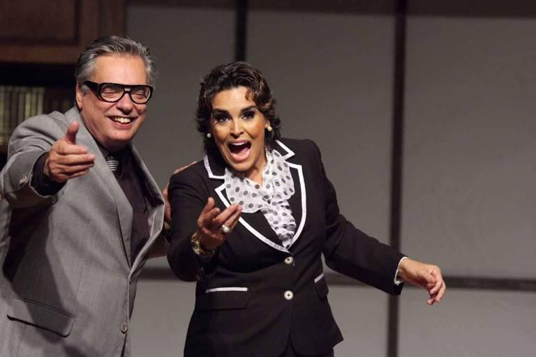 José Rubens Chachá e Suzy Rêgo em cena da peça 'Divórcio'