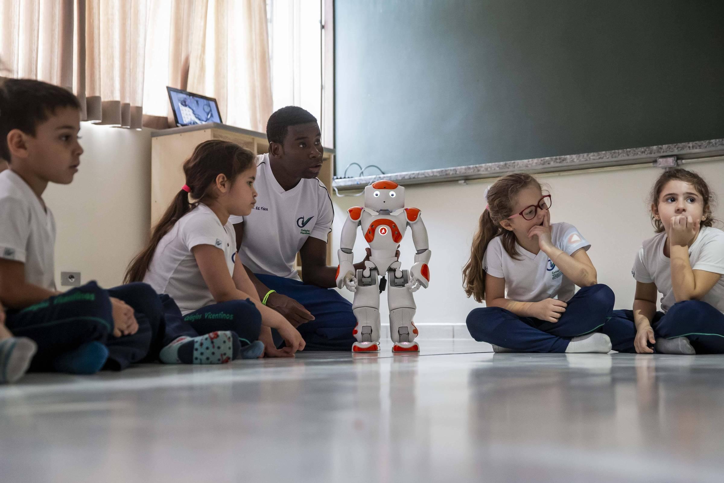 Governo reavalia estratégia para liberar ensino domiciliar