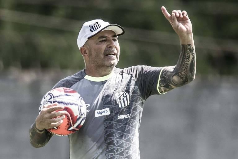 Jorge Sampaoli durante treino do Santos