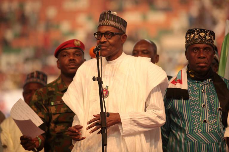 Muhammadu Buhari fala em evento em Uyo que lançou sua candidatura à reeleição para a Presidência da Nigéria