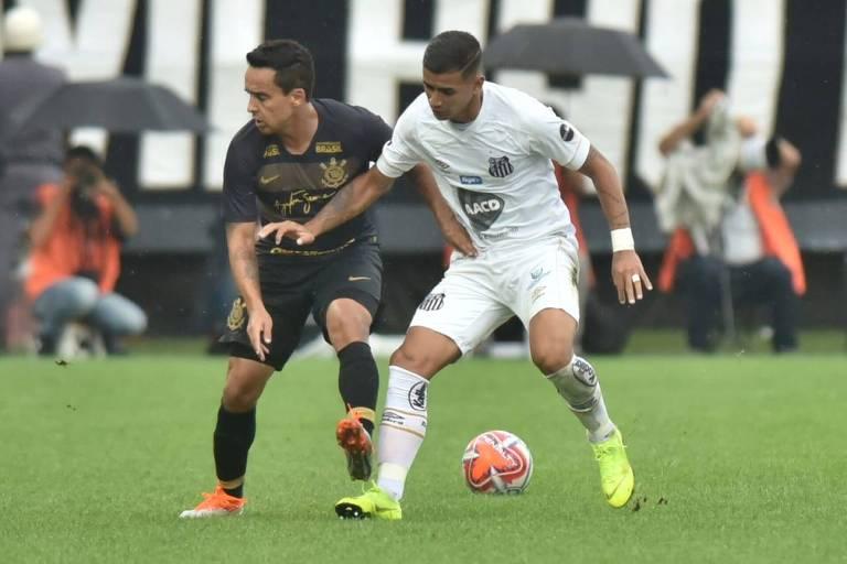 f6462adefe Corinthians e Santos se enfrentaram em amistoso antes do Campeonato Paulista