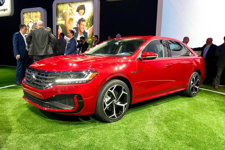 VW lança nova geração do Passat americano no Salão de Detroit