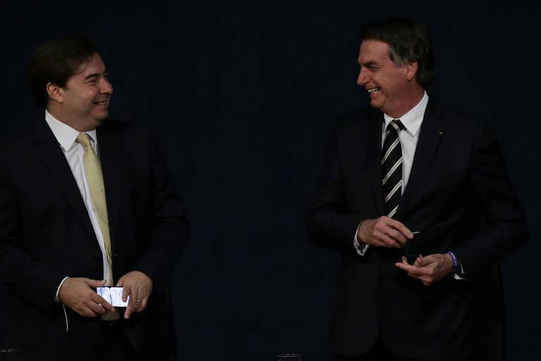 Rodrigo Maia (DEM-RS) e Jair Bolsonaro (PSL) em cerimônia da Procuradoria-Geral da República