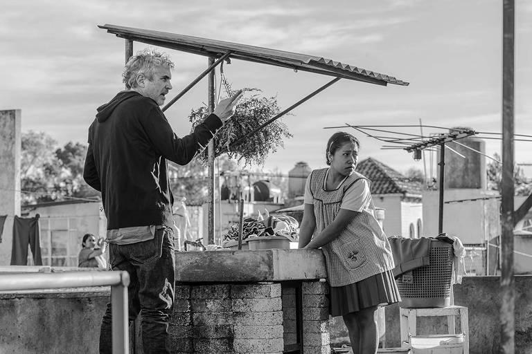 O diretor Alfonso Cuarón e a atriz Yalitza Aparicio, de 'Roma'