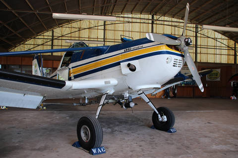 Gasolina adulterada importada pela Petrobras leva a suspensão de voos da aviação executiva