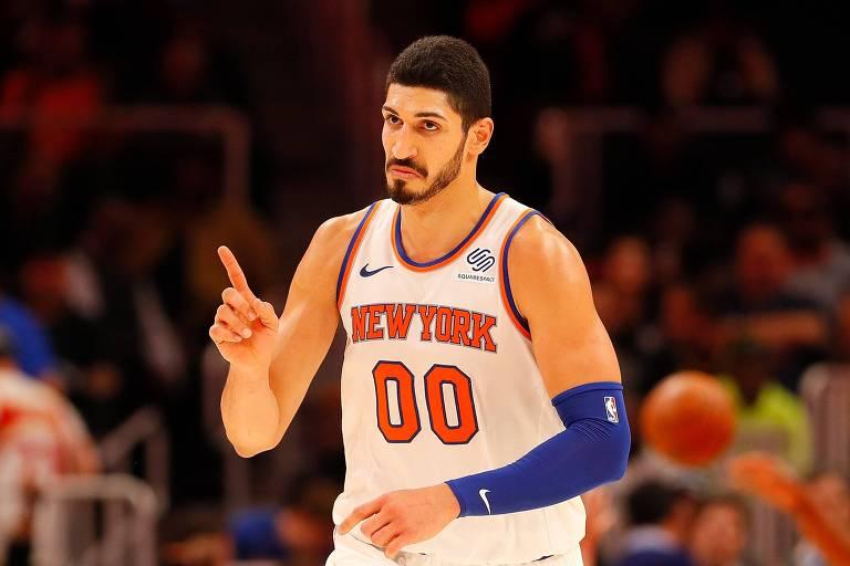 O pivô turco Enes Kanter joga desde 2017 pelo New York Knicks