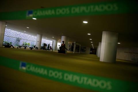 BRASILIA, DF,  BRASIL,  16-01-2019, 12h00: Corredores e salões da câmara dos deputados vazios, por conta do recesso parlamentar em janeiro. (Foto: Pedro Ladeira/Folhapress, PODER) ***EXCLUSIVO***