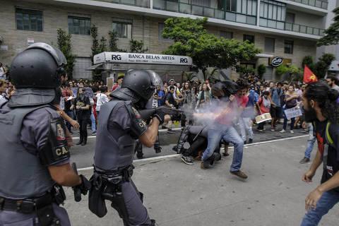 SAO PAULO, SP, BRASIL, 16-01-2019 - PROTESTO -  Integrantes do Movimento Passe Livre protestam contra o aumento da tarifa na Av. Paulista, em São Paulo, na tarde desta quarta-feira. (Foto: Taba Benedicto/Folhapress) ***PARCEIRO FOLHAPRESS - FOTO COM CUSTO EXTRA E CRÉDITOS OBRIGATÓRIOS***