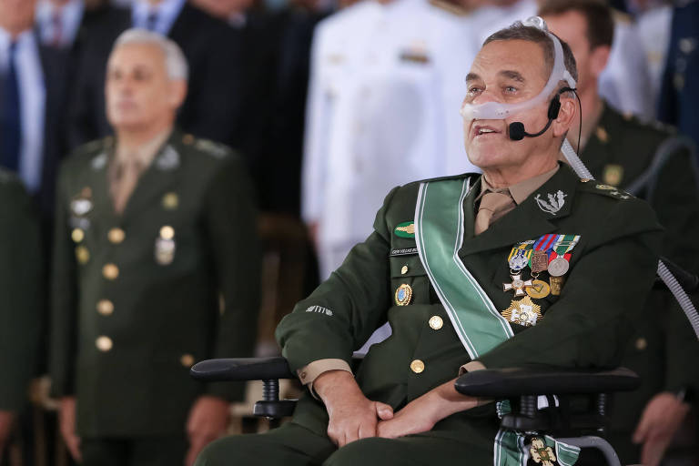 O general Eduardo Villas Bôas durante a cerimônia em que deixou o comando do Exército