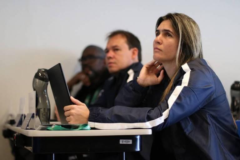 Emily Lima participa de curso de técnicos da CBF