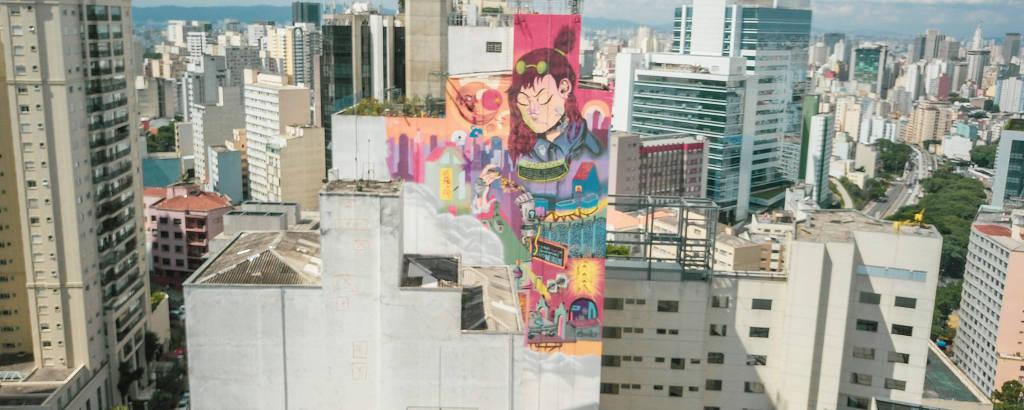 O mural da artista Luna Buschinelli