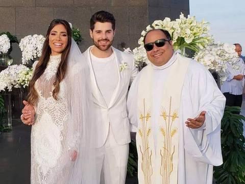 DJ Alok se casa com a médica Romana Novais no Cristo Redentor
