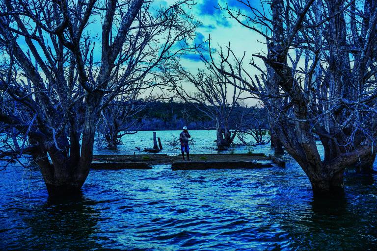 um homem no rio