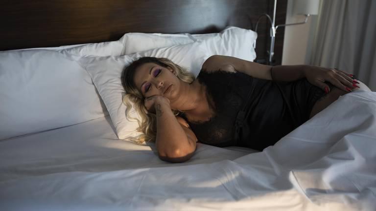 """Valesca Popozuda grava clip  versão light de """"meu ex"""""""
