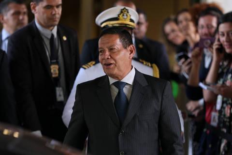 Na Presidência, Mourão irá a evento militar no Rio e jantará com empresários