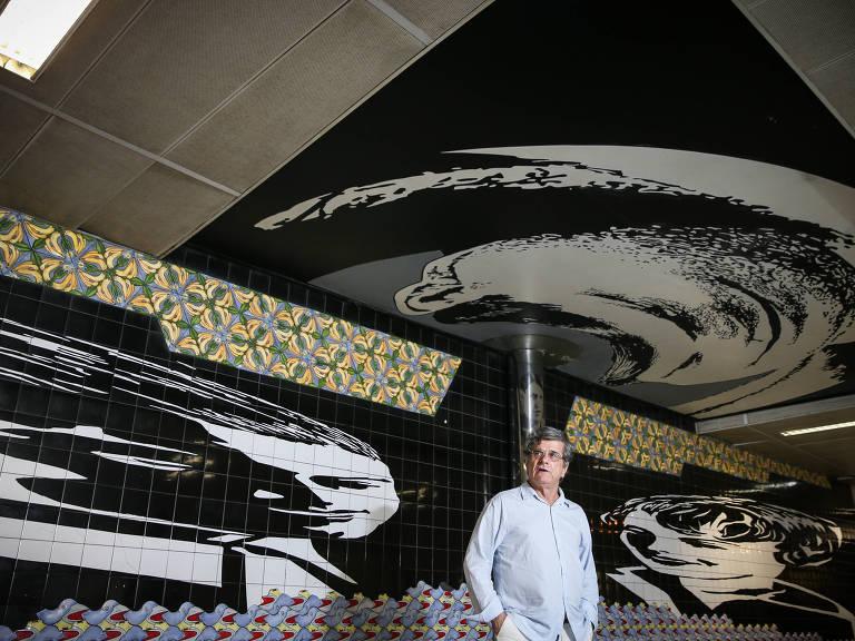 """O artista pl�stico Antonio Peticov, autor do mural """"Momento Antropof�gico com Oswald de Andrade"""", na Rep�blica"""