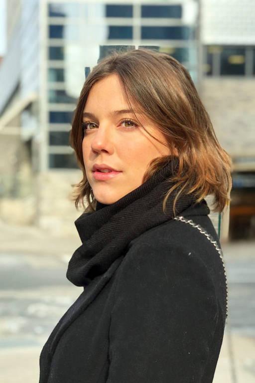 Alice Wegmann - Oficial